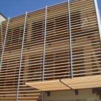 Frangisole in legno per abitazioni