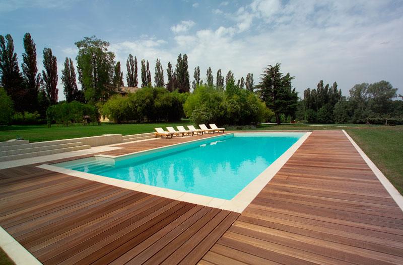 Listoni legno per pavimenti e pedane per piscine verona for Bordo piscina legno