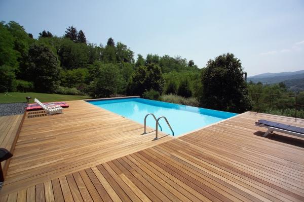 Listoni legno per pavimenti e pedane per piscine verona - Piscina g conti verona ...